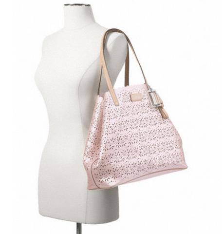 f27544粉色镂空花纹自带小内包