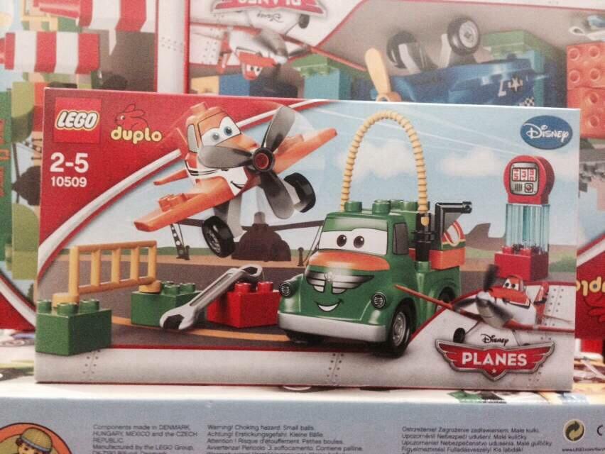 迪士尼飞机总动员-飞机加油车