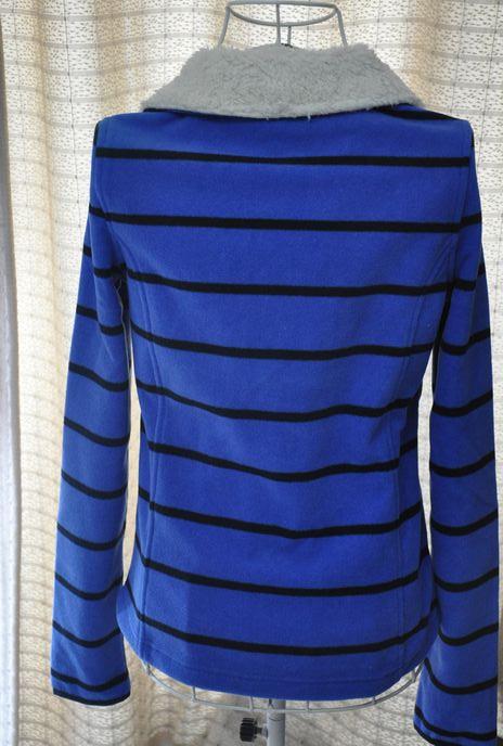 诺帝卡女士抓绒蓝色横条纹上衣