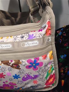 依美尚品 LeSportsac 乐播诗 2369 花朵单肩欧美时尚女包 直邮