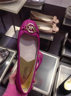 MK平底鞋  十字纹皮